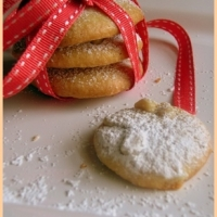 Image of Amaretti With Pine Nuts Recipe, Group Recipes