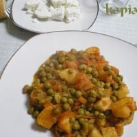 Image of Arakas Laderos Peas In Tomato Sauce Recipe, Group Recipes