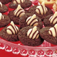 Tuxedo brownie hugs cookies recipe