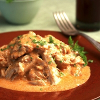 Chicken paprika sour cream recipe
